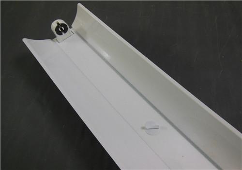 供应ledt8灯管铁支架led单支支架t8弧形罩支架