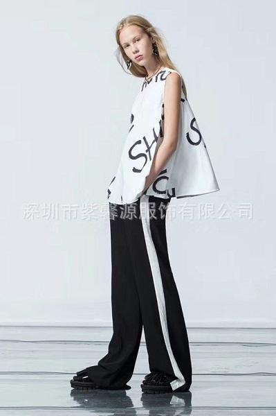 供应深圳时尚潮牌璱妠夏装走份品牌折扣女装批发