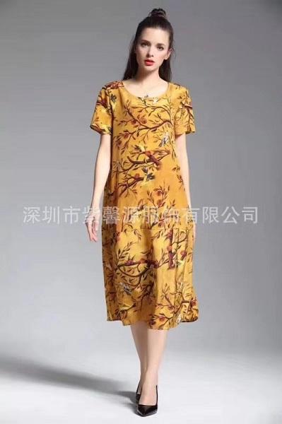 真丝系列连衣裙正在供应库存折扣女装尾货批发