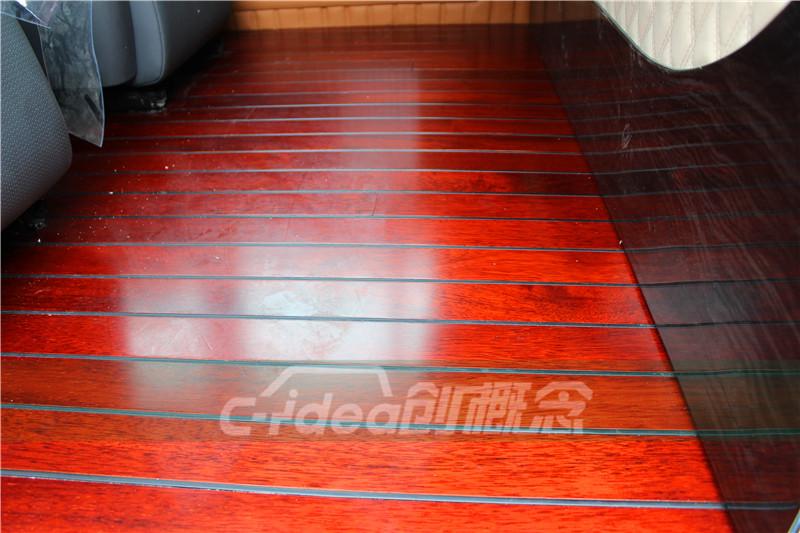 惠州大众T5室内改装真皮座椅,铺设豪华游艇木地板