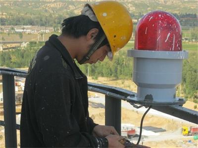 烟囱安装航标灯专业提供——环保的钢烟囱拆除