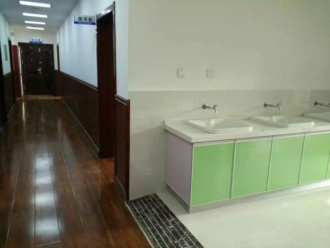 青海家庭擦玻璃 青海专业的室内外粉刷公司