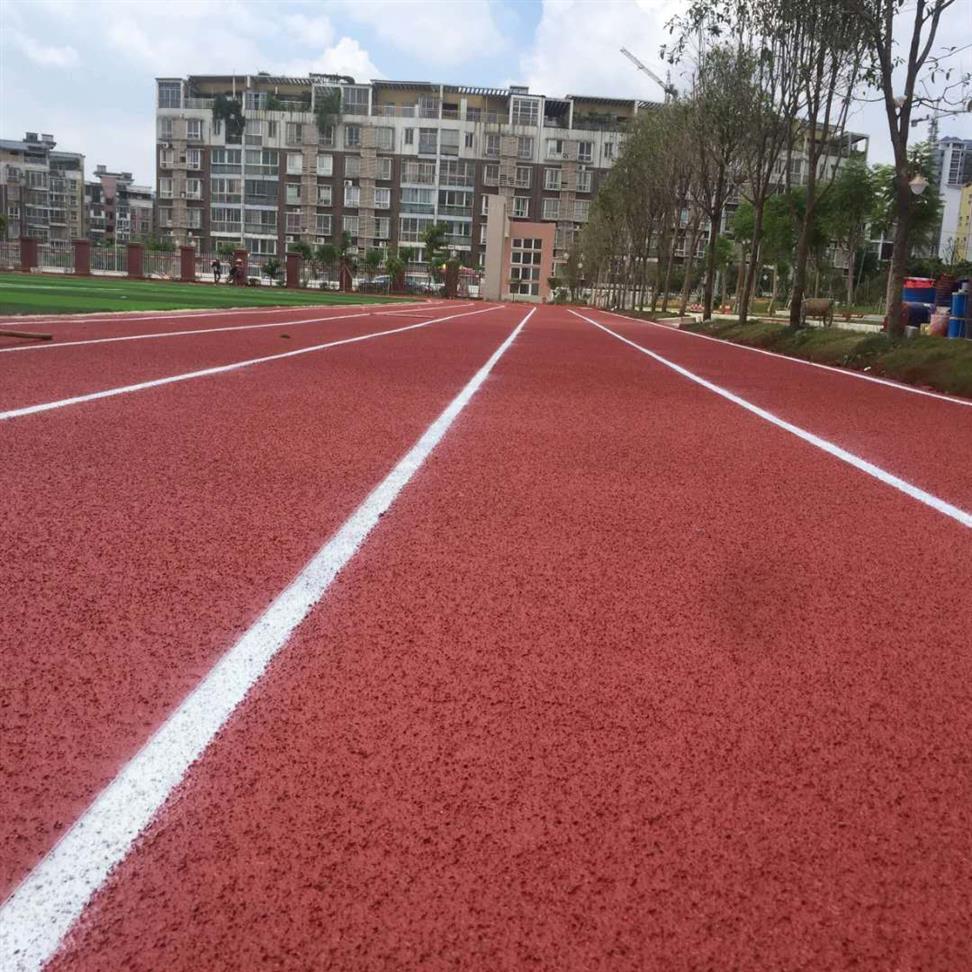 百色市靖西縣300米透氣型跑道跑道