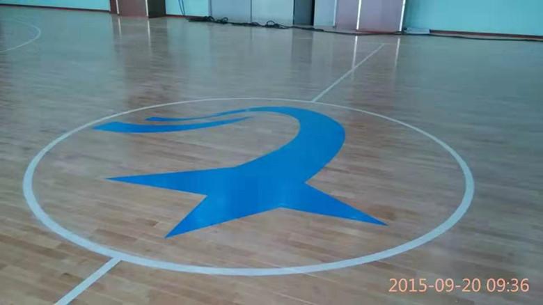 防城港羽毛球馆木地板 球馆体育木地板 尺寸精准