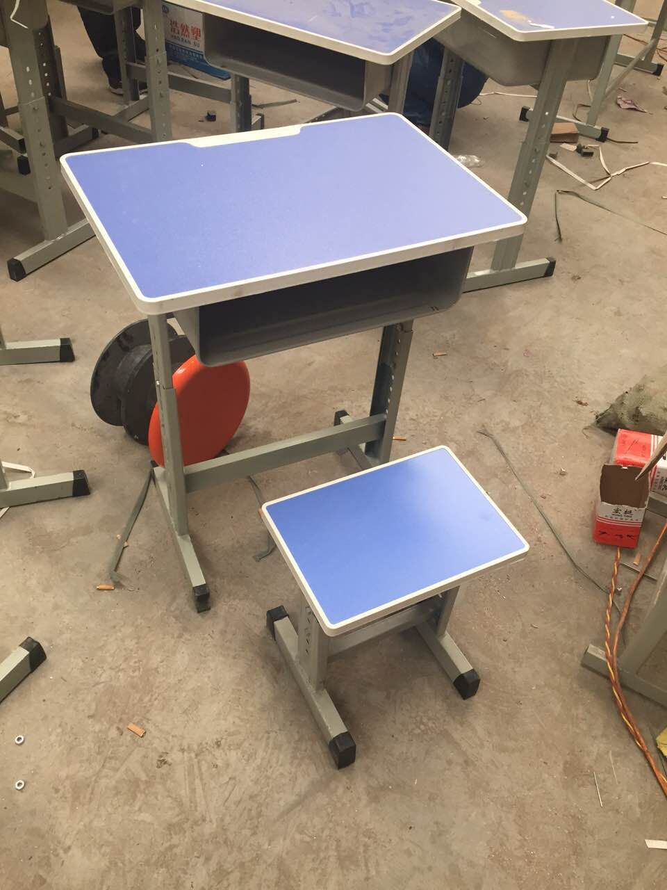 蚌埠便攜式課桌椅出售