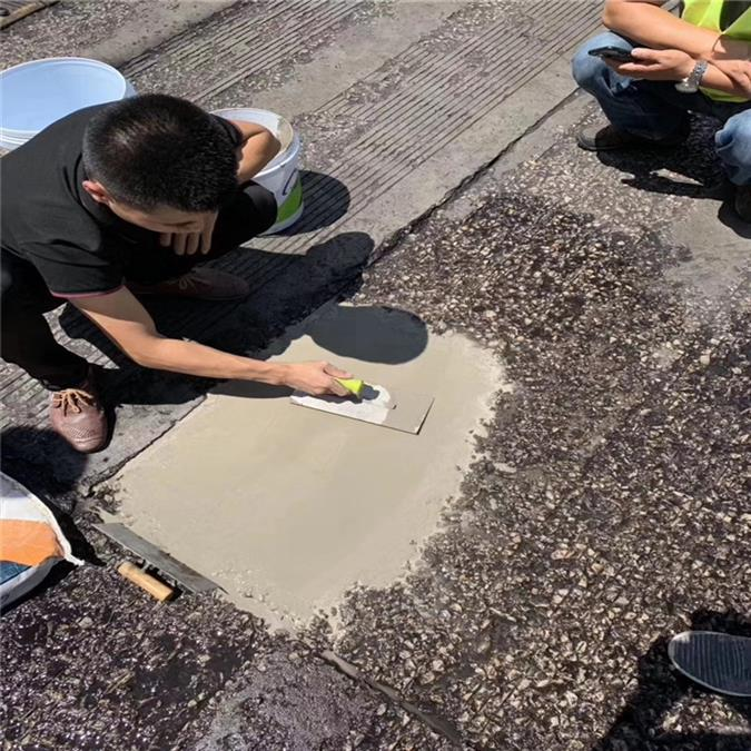 呼倫貝爾路面薄層修補料廠家直銷 護砼一號 發貨方便