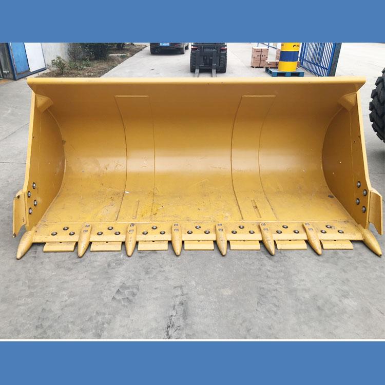 鋼渣臨工裝載機鏟斗結構優化方法-推土鏟斗
