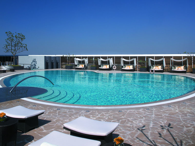 青岛哪里有供应实用的青岛泳池过滤设备,威海泳池配件品牌